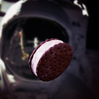 Picture of: Space Food (Ice Cream Cookie) | Secret Santa Generator Gifts